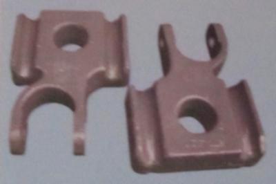 中国重汽前簧压板AZ9925520040